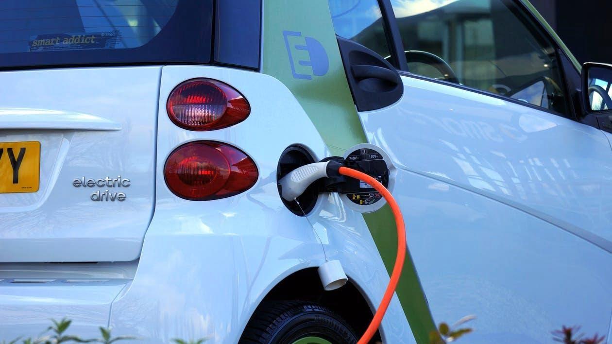 ¿Qué tipos de coches eléctricos existen?